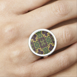 Royal Rich /Eggplant Yellow Color Ring