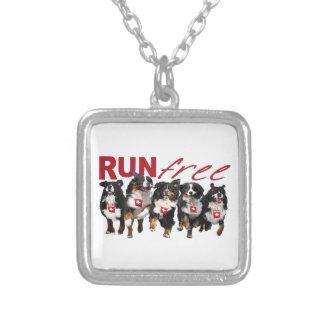 Run Free Berner chain Pendants