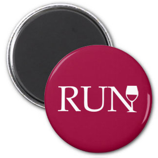 Run wine glass 6 cm round magnet