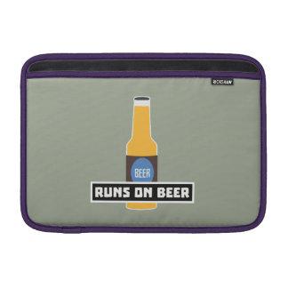 Runs on Beer Z7ta2 MacBook Sleeve