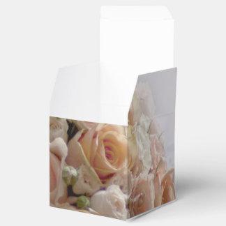 Rustic Peach Rose White Wedding Design Wedding Favour Boxes