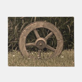 Rustic Wagon Wheel Doormat