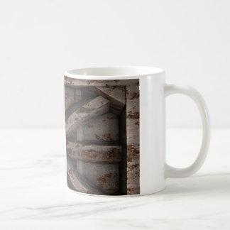 Rusty Container - Beige - Mug