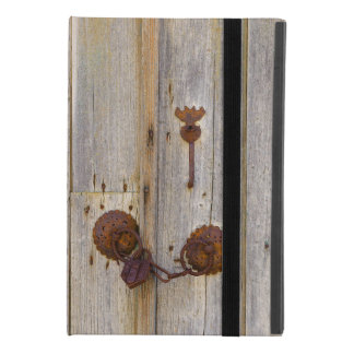 Rusty vintage old iron padlock on a wooden door '' iPad mini 4 case
