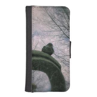 Sad pigeon iPhone SE/5/5s wallet case