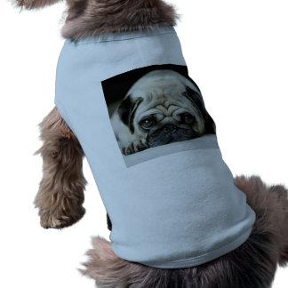 Sad pug - dog lying down - dog look - cute puppies shirt