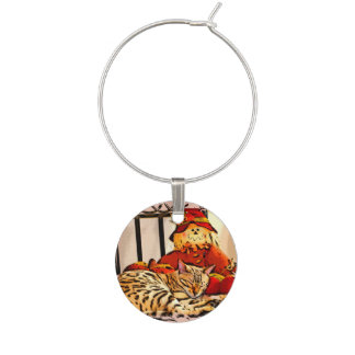 SAFELY GUARDED WINE CHARM