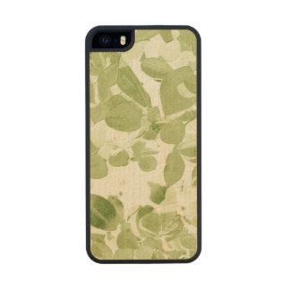 Sage Green Leaf Pattern, Vintage Inspired Carved® Maple iPhone 5 Slim Case
