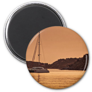 Sailboat Themed, A Boat Approaches The Shore Of Ro 6 Cm Round Magnet