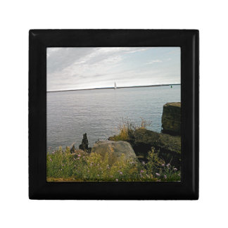 sailing away small square gift box