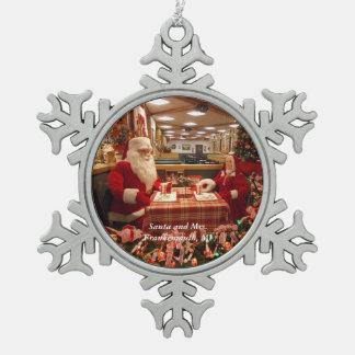 Santa and Mrs. Frankenmuth, MI Snowflake 1 Pewter Snowflake Decoration