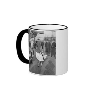 Santa Claus and Little Girl on Deck, 1925 Coffee Mugs