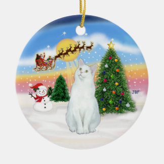 Santas Take Off - White cat (American SH) Round Ceramic Decoration