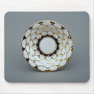 Saucer plate with attractive design mouse pads