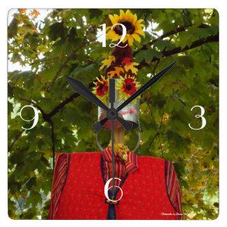 Scarecrow lady clock