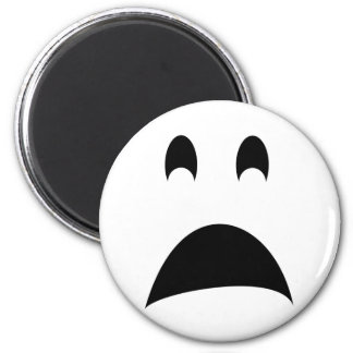 SCARED GHOST 6 CM ROUND MAGNET