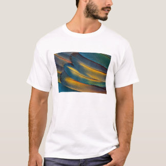 Scarlet Macaw feather close up T-Shirt
