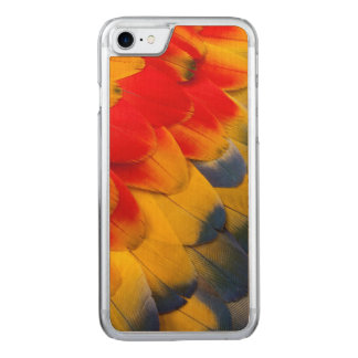 Scarlet Macaw feathers close-up Carved iPhone 7 Case