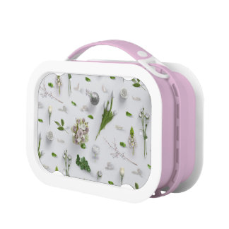 Scattered Flowers White Lunchbox