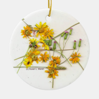 Scattered wildflowers in yellow and white round ceramic decoration