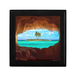 Scenic water and palm trees gift box