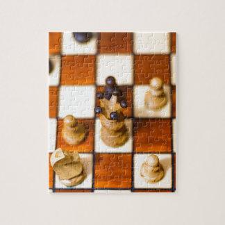 Schachbrett mit Dame im Vordergrund Jigsaw Puzzle