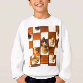 Schachbrett mit Dame im Vordergrund Sweatshirt