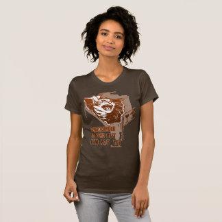 Schrodinger is dead, but I'm not yet. T-Shirt