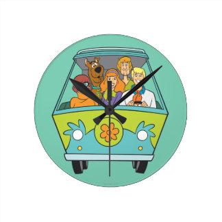 Scooby Doo Pose 71 Round Clock