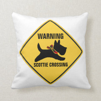 SCOTTIE CROSSING CUSHION