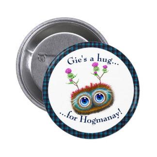 Scottish Hoots Toots Haggis. Hugs 6 Cm Round Badge