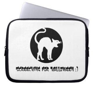 Screeching For Halloween Laptop Sleeve