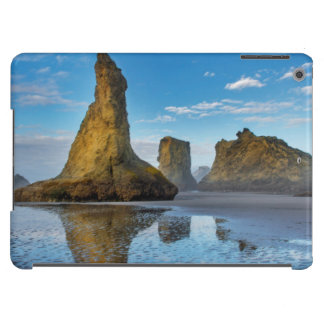 Sea Stacks on Bandon Beach in Bandon, Oregon 3 iPad Air Cover