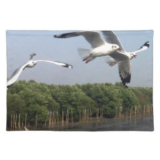 Seagulls at the beach placemat