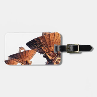 searching luggage tag