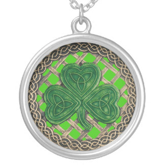Shamrock And Celtic Knots Necklace Green