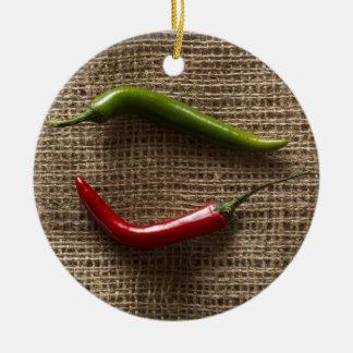 Sharp peppers round ceramic decoration