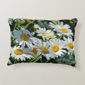 Shasta Daisy Toss Pillow