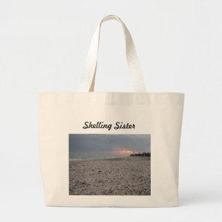 Shelling Sister Bag