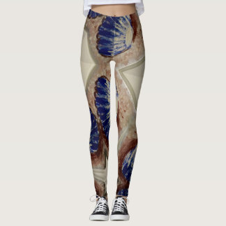 Shells at the sea leggings