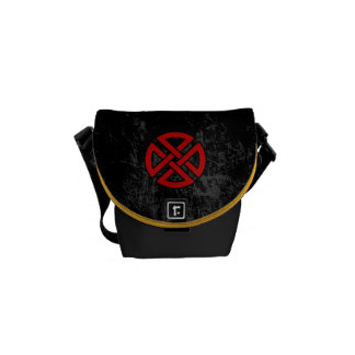 Shield Knot (Celtic, red & black) Commuter Bags