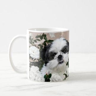 Shih Tzu and roses Basic White Mug