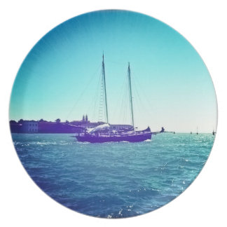 Shimmering Sail Boat In Venice Hipstamatic Plate