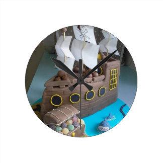 Ship cake 1 round clock