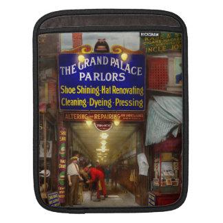 Shoeshine - The Grand Palace Parlors 1922 iPad Sleeve