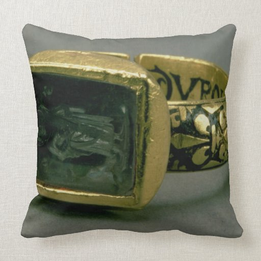 Signet ring of King Louis IX of France (St. Louis) Throw Pillow