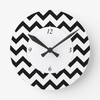 Simple Black and white Chevron pattern and numbers Round Clock