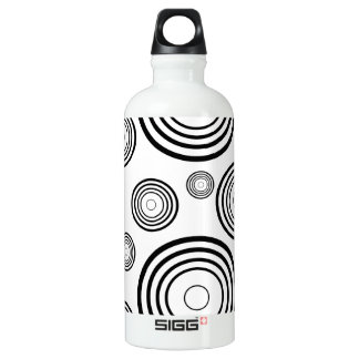 Simple Black and White Rings Water Bottle