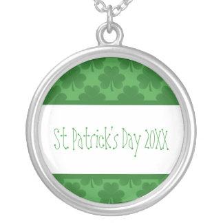 Simple Shamrocks Necklace