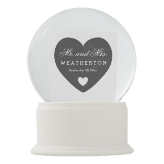 Simple Style Mr. and Mrs. Wedding Names Date A09D Snow Globe